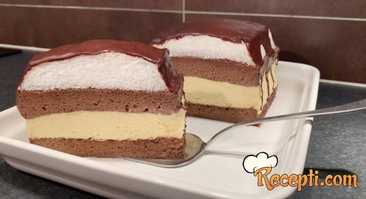 Sočni i kremasti kolač kao iz slastičarne