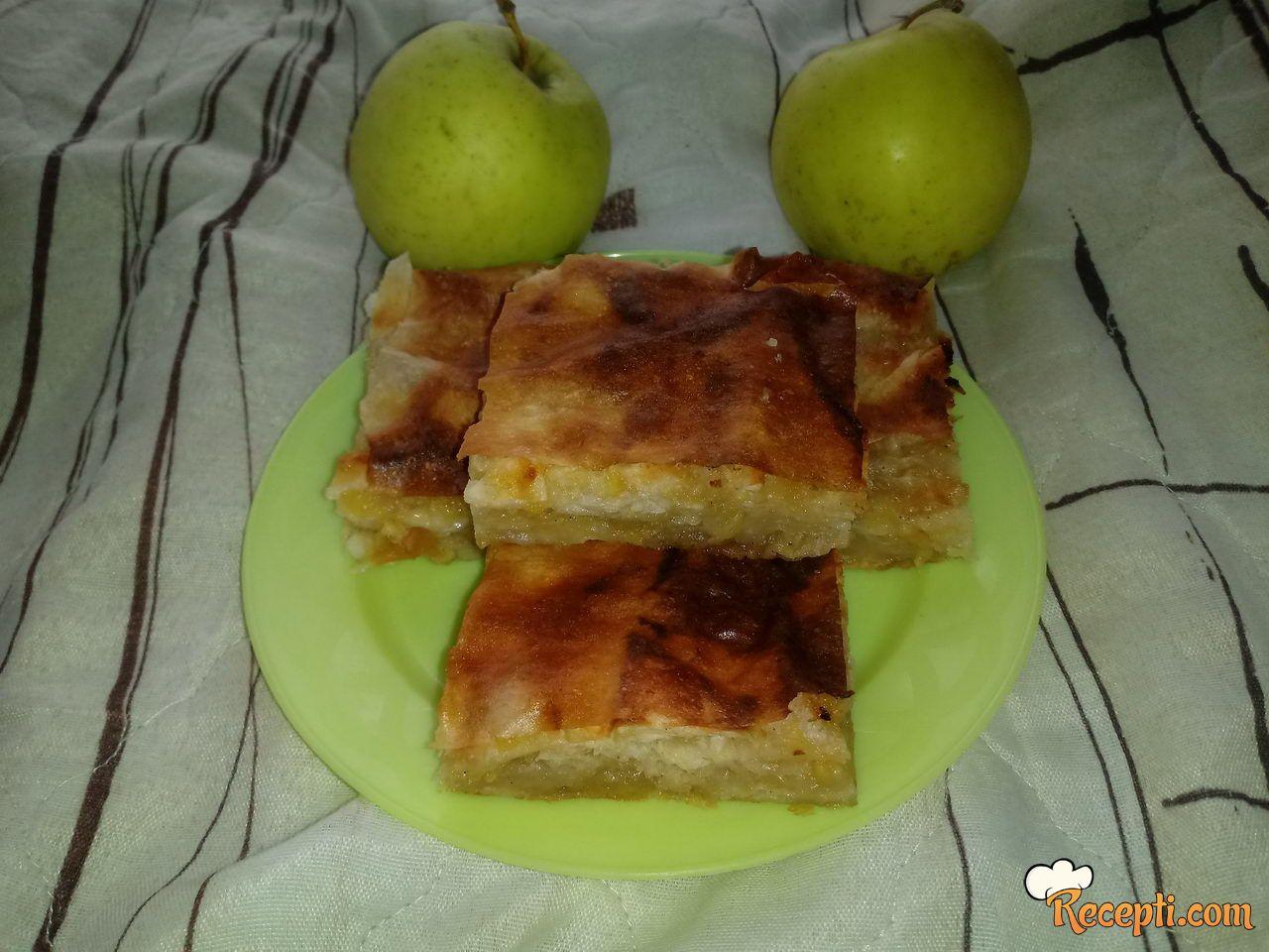 Pita sa jabukama i vanilom