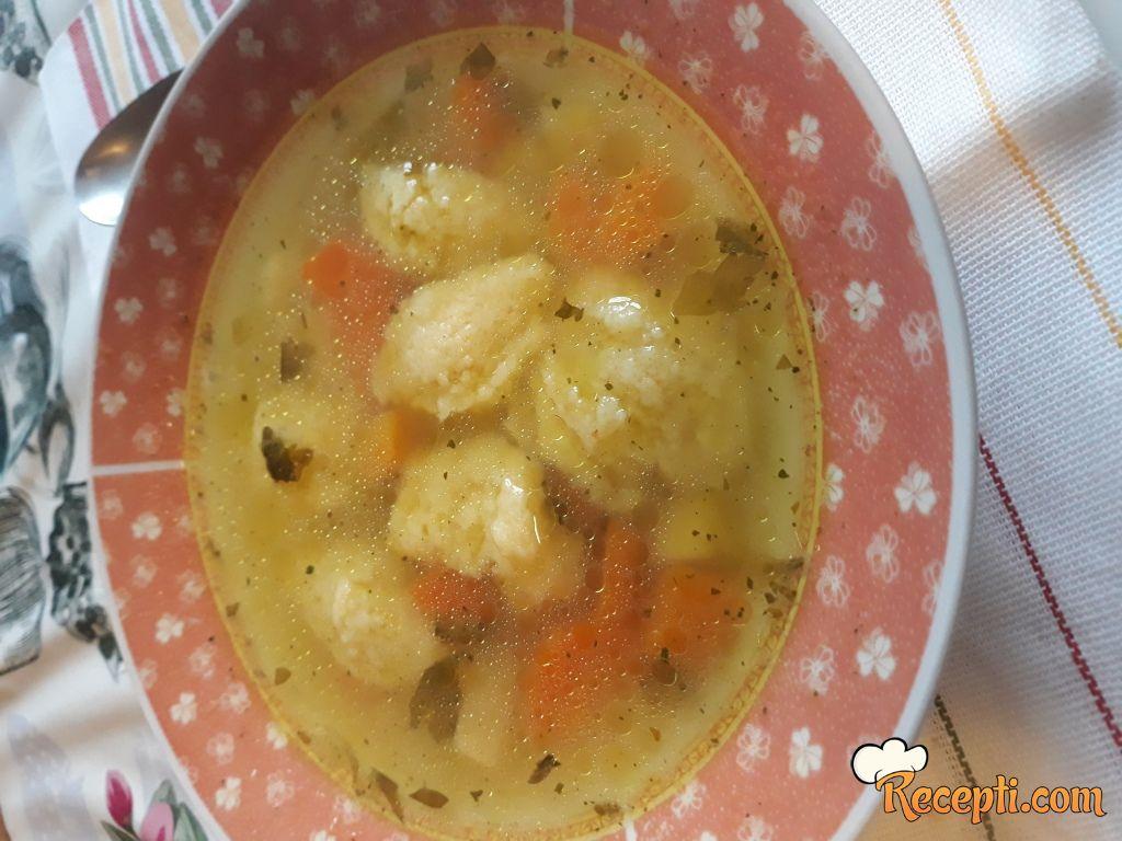 Supa od ćuretine sa knedlama