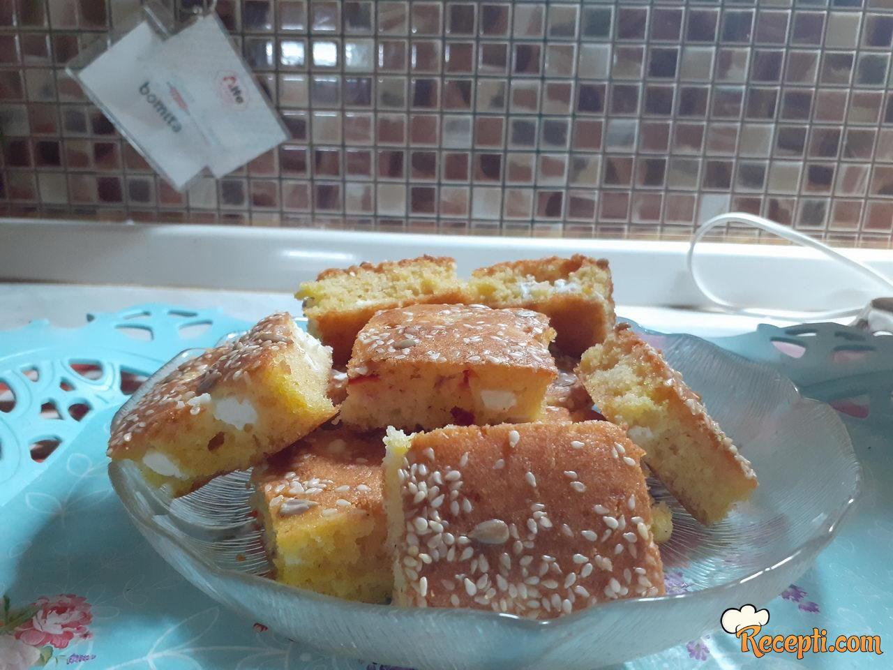 Kukuruzna pita sa sirom i paprikom