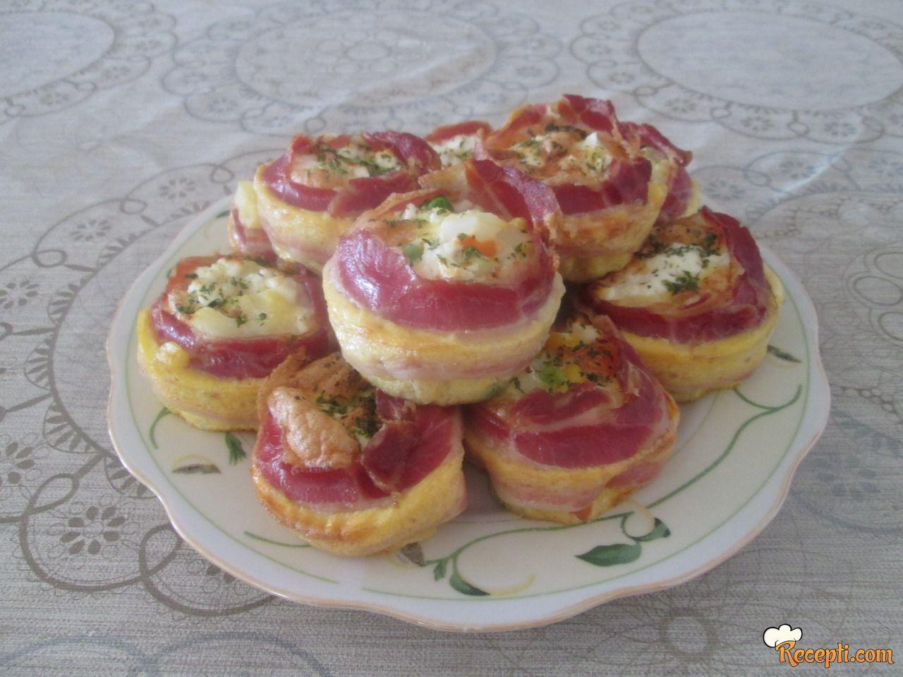 Mafin - jaja sa povrćem i slaninom