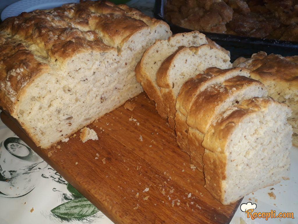 Jogurt hleb sa semenkama