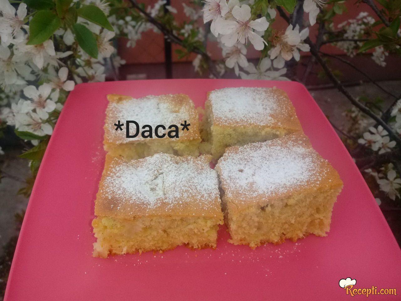 Voćni kolač sa maslacem i pudingom od kokosa