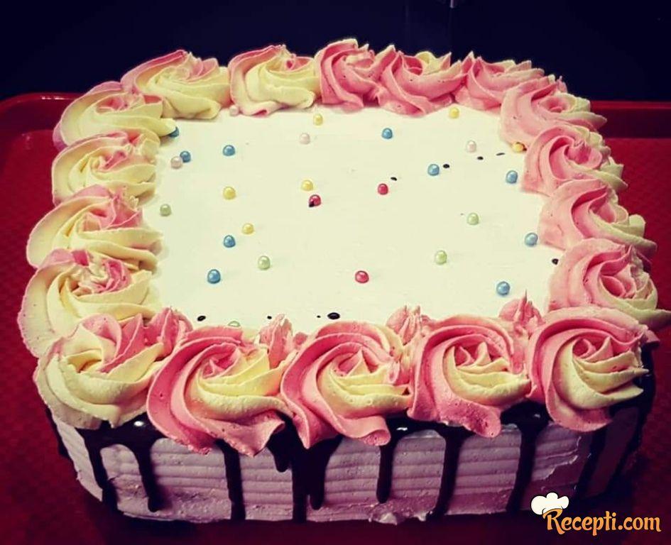 Torta sa pudingom