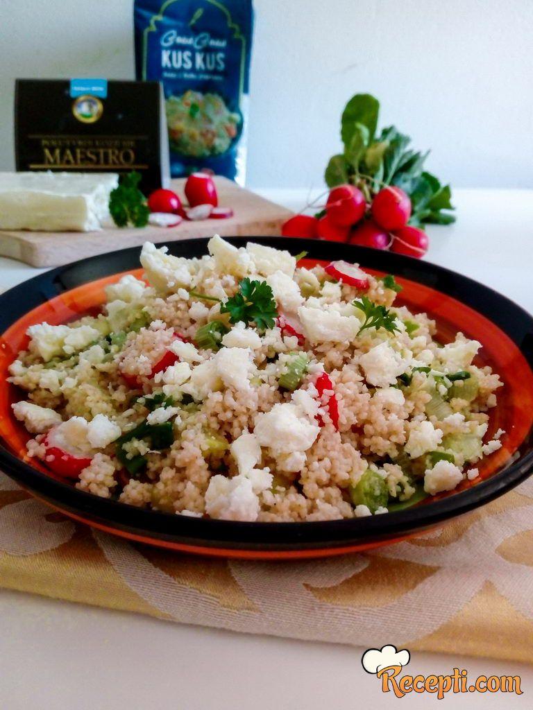 Kus-kus salata sa povrćem i kozjim sirom