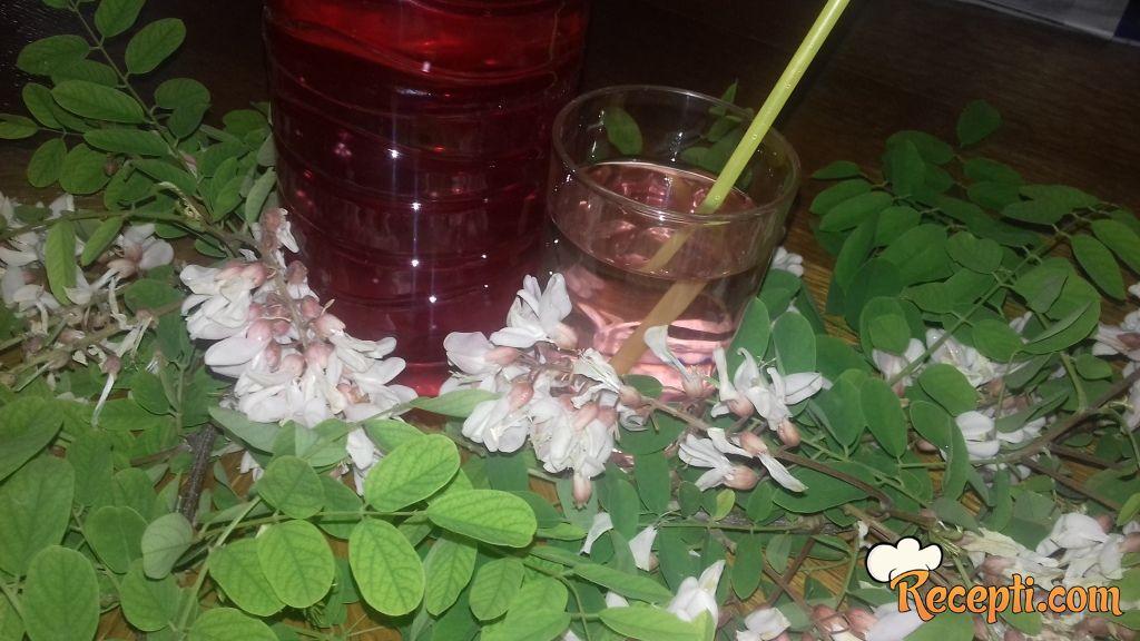 Sirup od bagremovog cveta