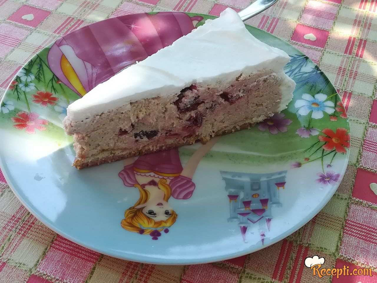 Keks kolač sa trešnjama
