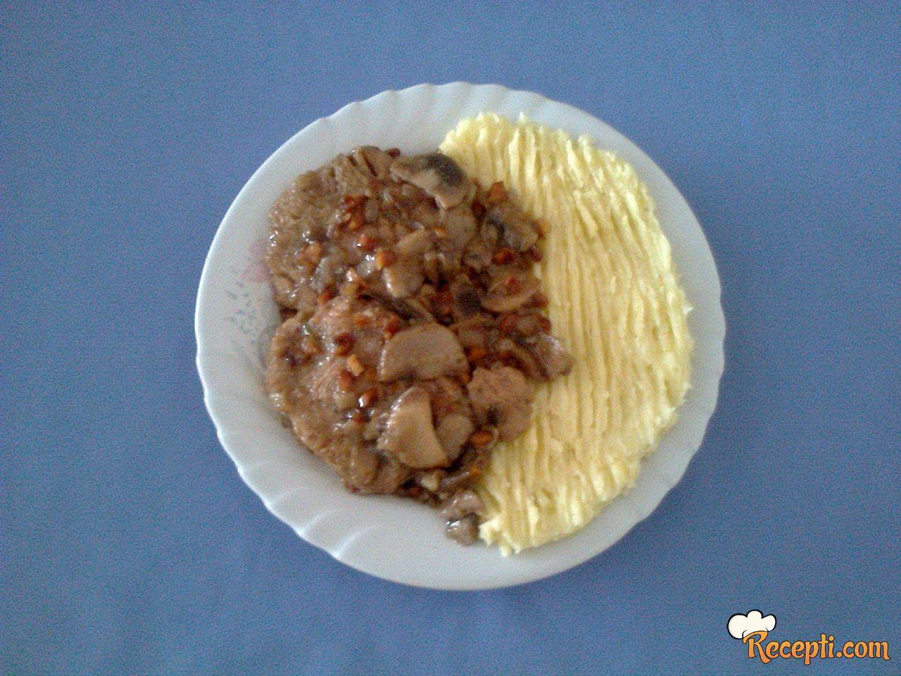 Sojine šnicle u krem sosu od šaminjona POSNO