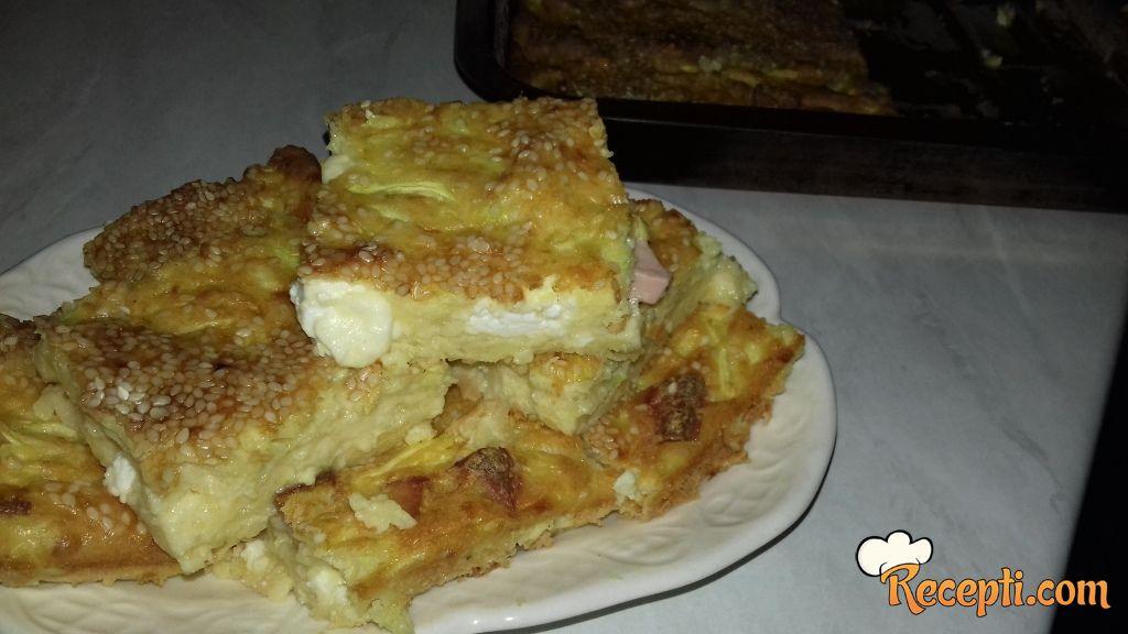 Izlivena pita sa tikvicama