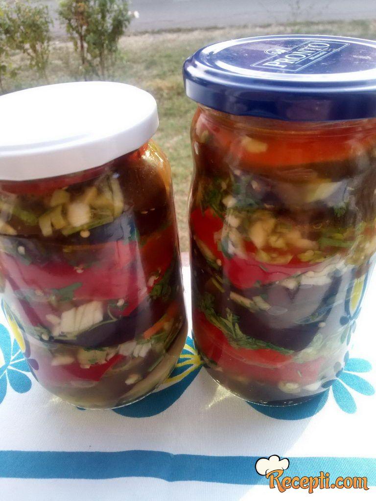 Salata od plavog patlidžana i paprika za zimu