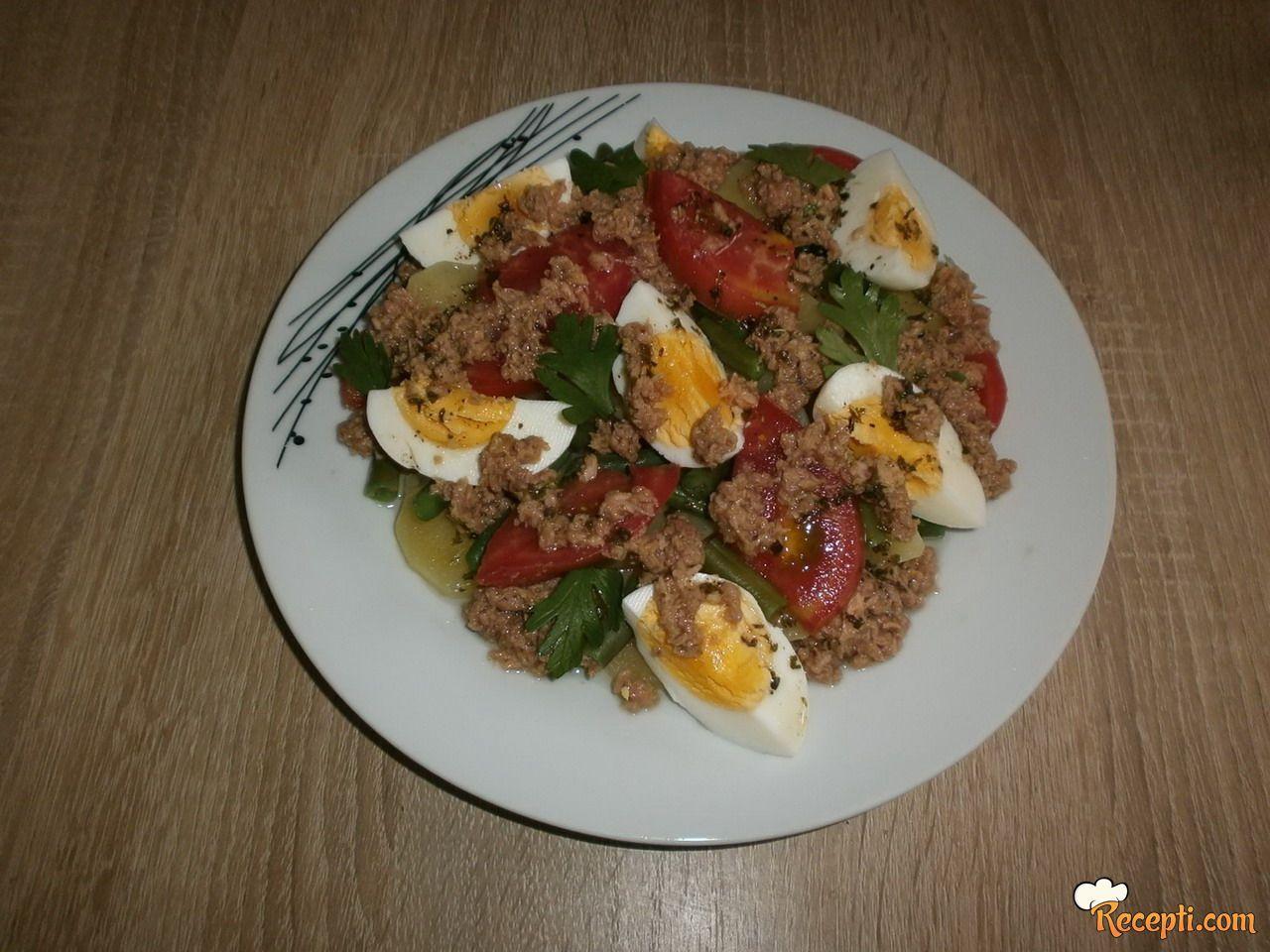 Salata Nica