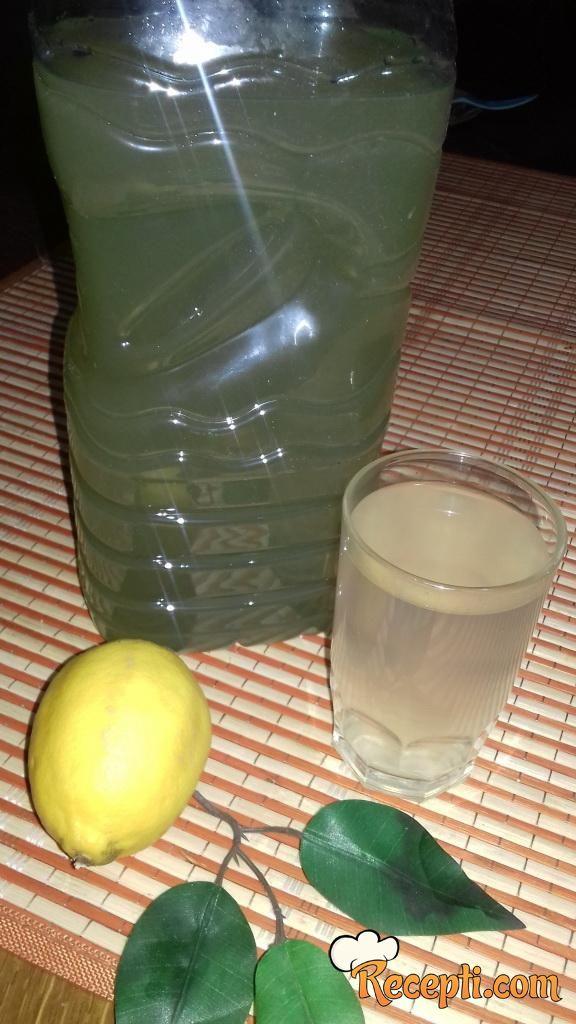 Vitaminski napitak za čišćenje organizma