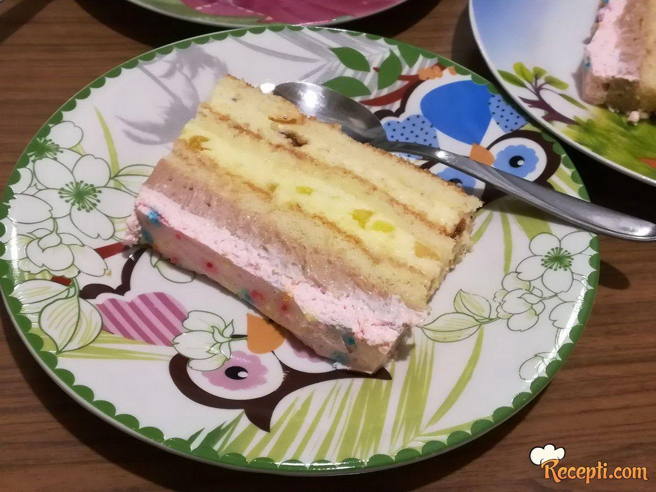 Torta sa gotovim korama