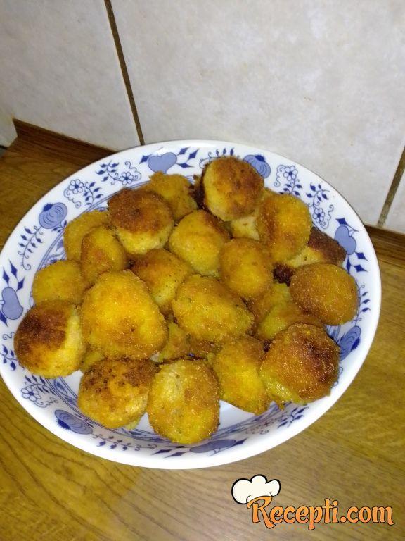 Pohane kuglice od krumpira i salame