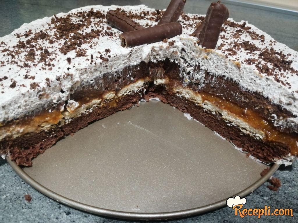 Čokoladna torta sa ukusom kajsija