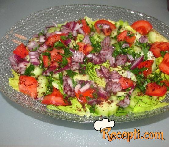 Fattoush salata