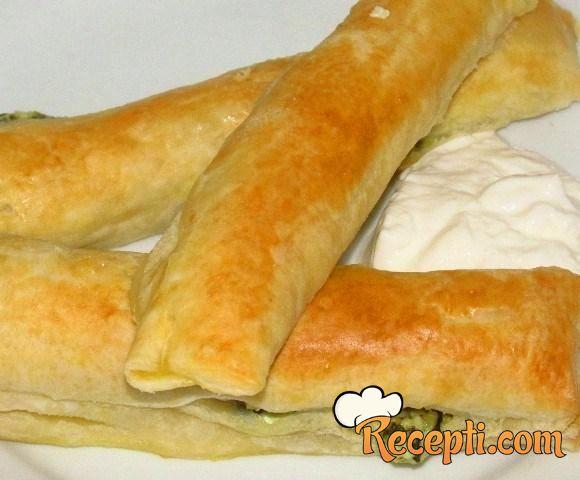 Lisnati prutići sa sirom i špinatom