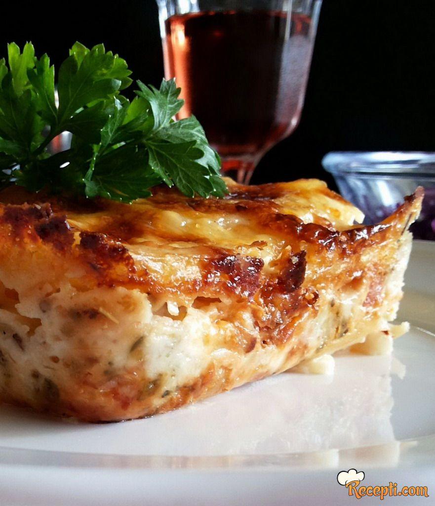 Zapečen krompir s bešamel sosom