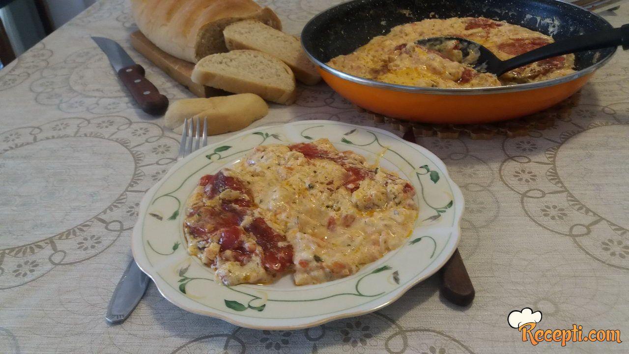 Pečena paprika u sosu