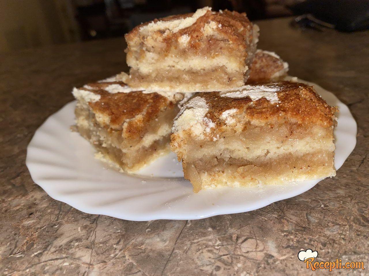 Sipana pita od jabuke i dunje