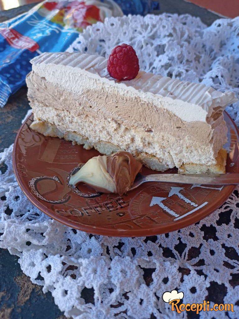 Kremasta šlag torta sa kremom