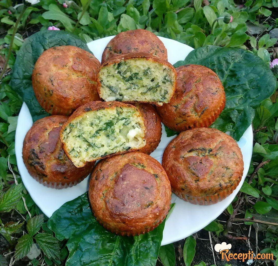 Projice sa spanaćem i sirom