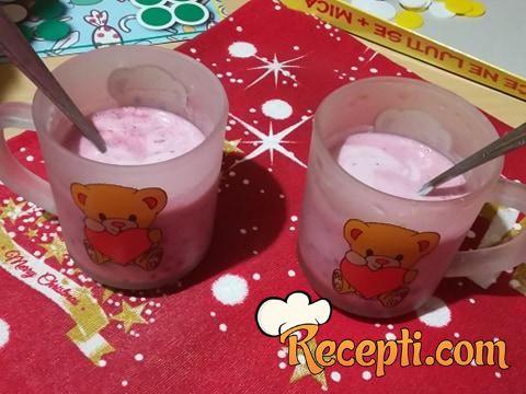 Voćni jogurt (kupine)