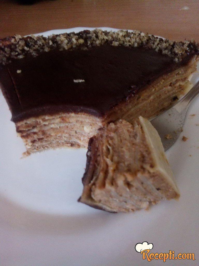 Torta sa palačinkama, plazmom i orasima