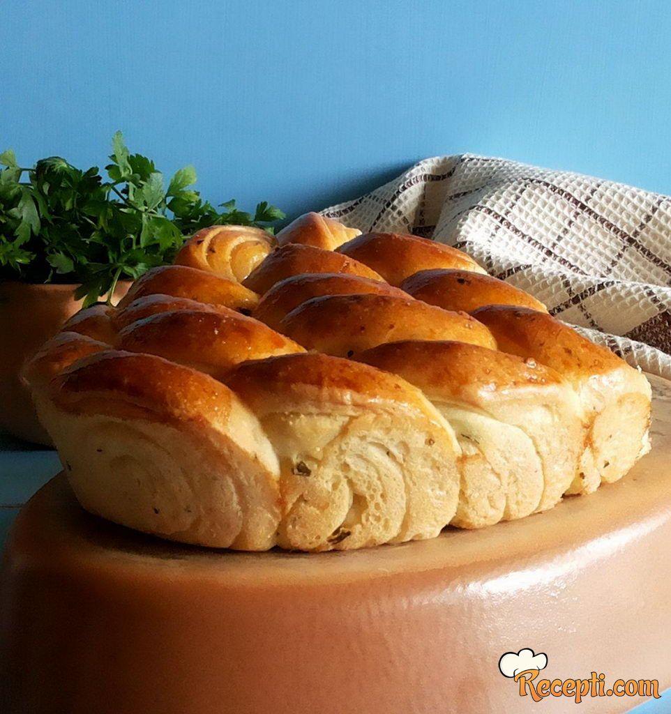 Dekorativan hleb sa peršunom