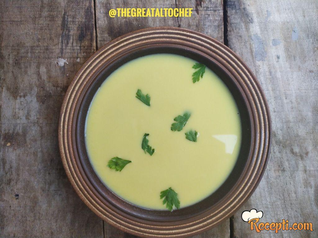 Pileća krem supa sa karijem
