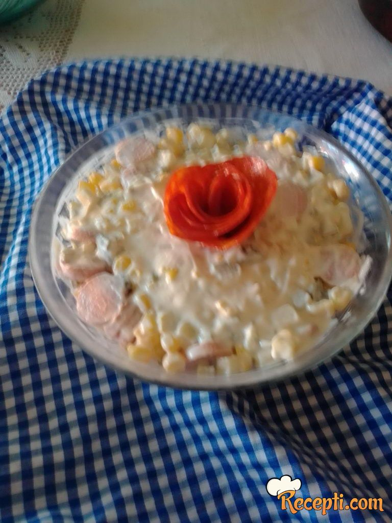 Salata sa viršlama