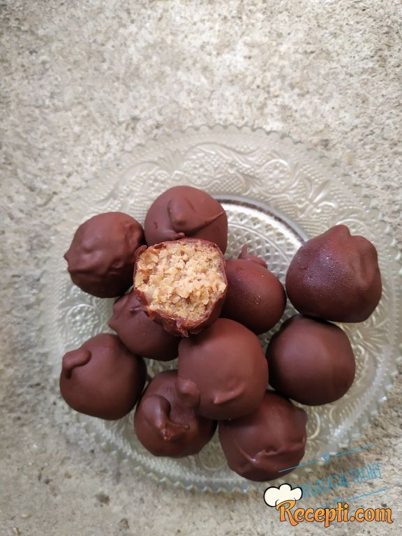 Bombice sa kuskusom i čokoladom