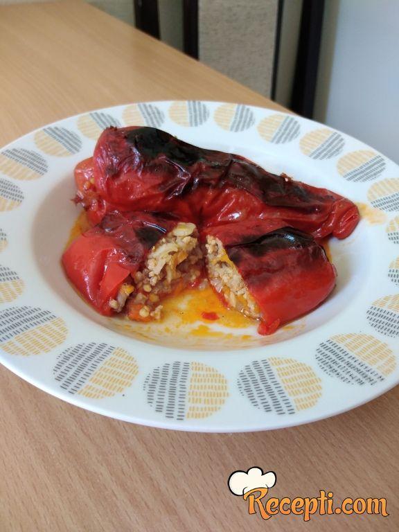 Crvene punjene paprike
