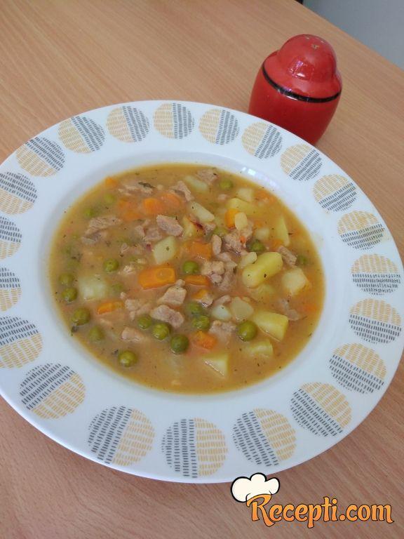 Čorbica od svinjskog mesa i povrća