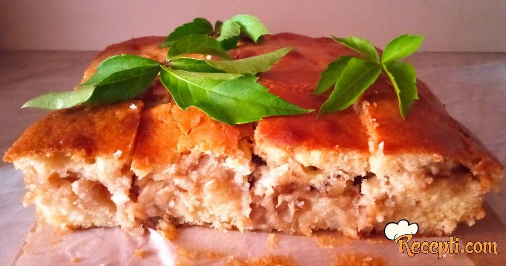 Brzi voćni kolač sa jabukama