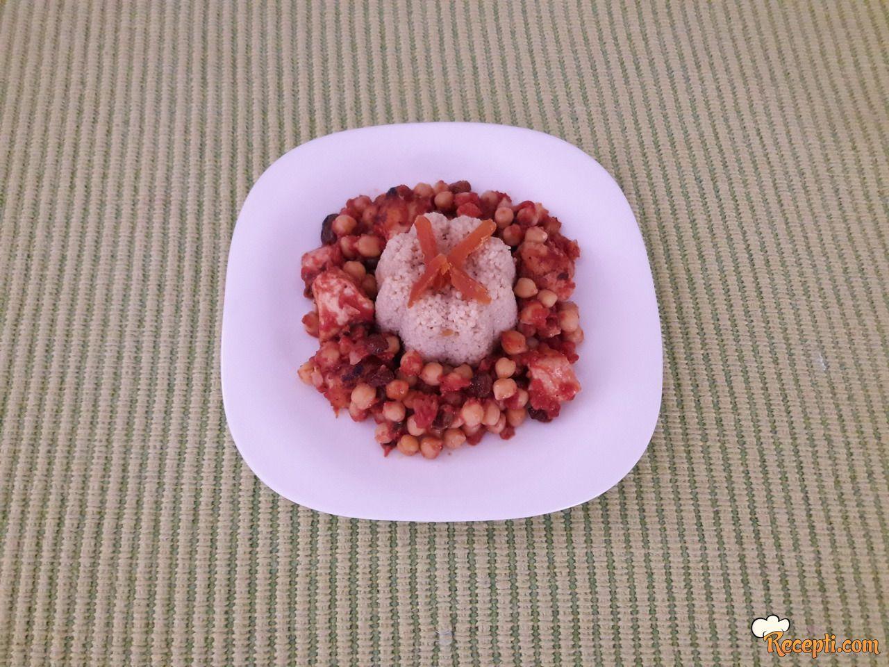 Marokanska piletina sa leblebijom i suvim kajsijama
