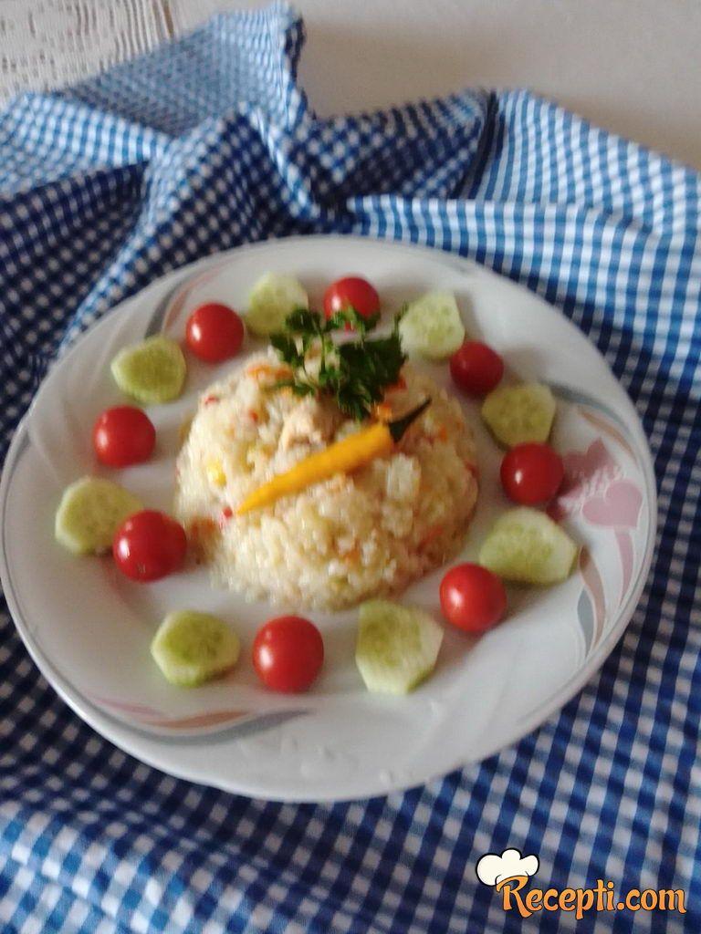 Pirinač sa piletinom i povrćem