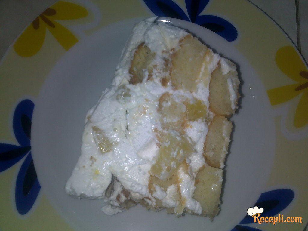 Rođendanska torta sa ananasom