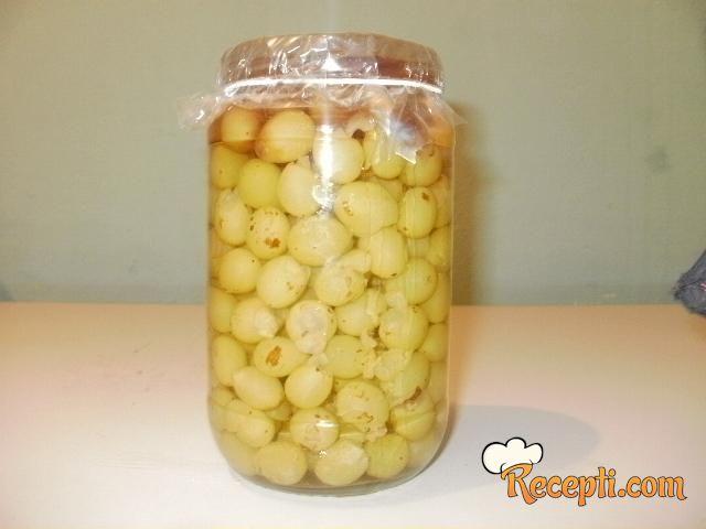 Belo grožđe u rakiji