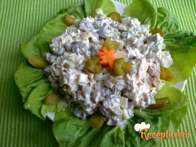Pileća salata sa šampinjonima