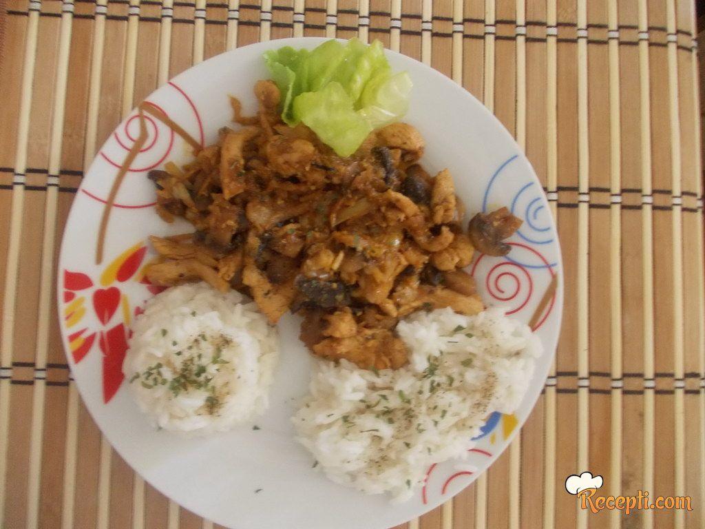 Piletina sa šampinjonima na kineski način