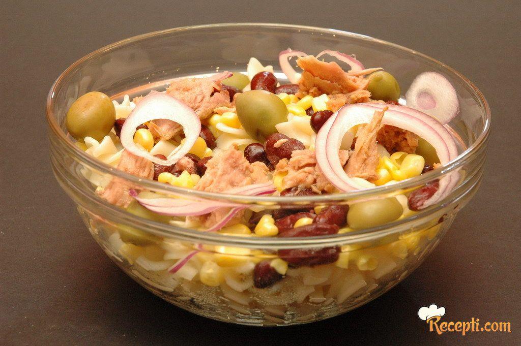 Fitnes tuna salata