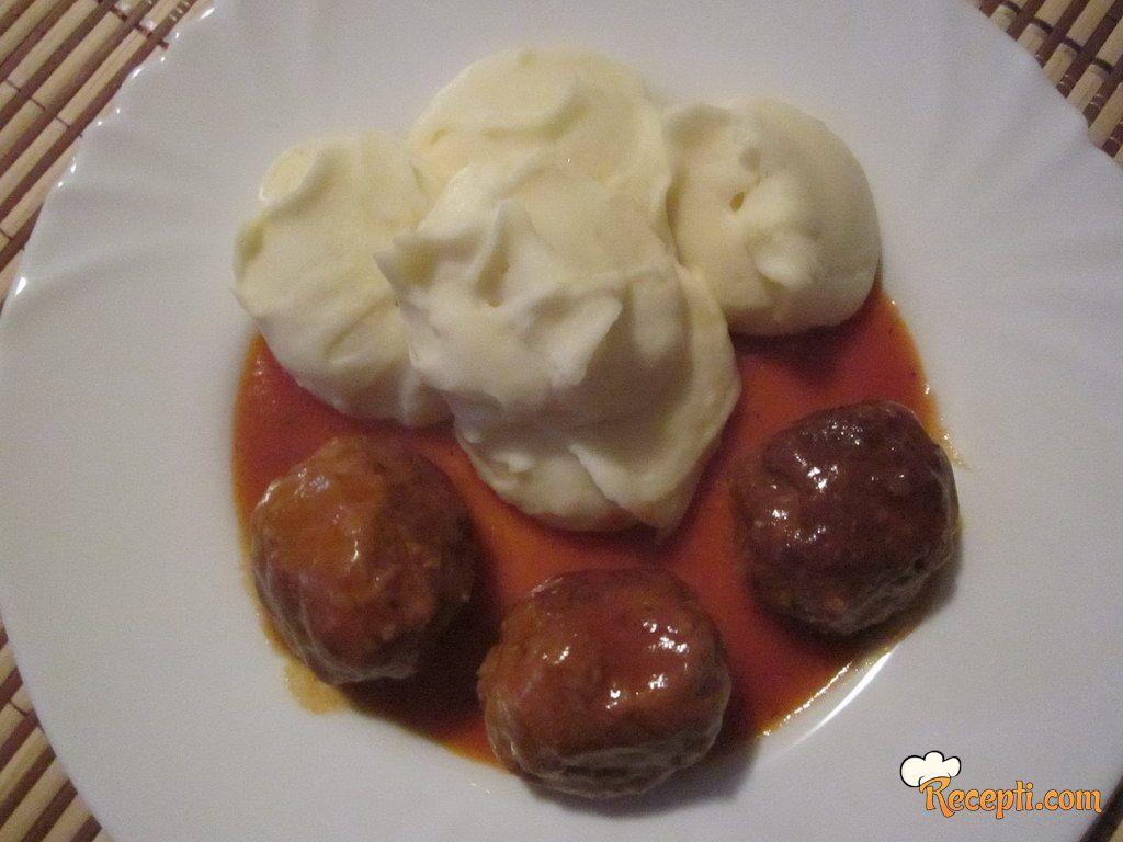 Ćufte u paradajz sosu (3)