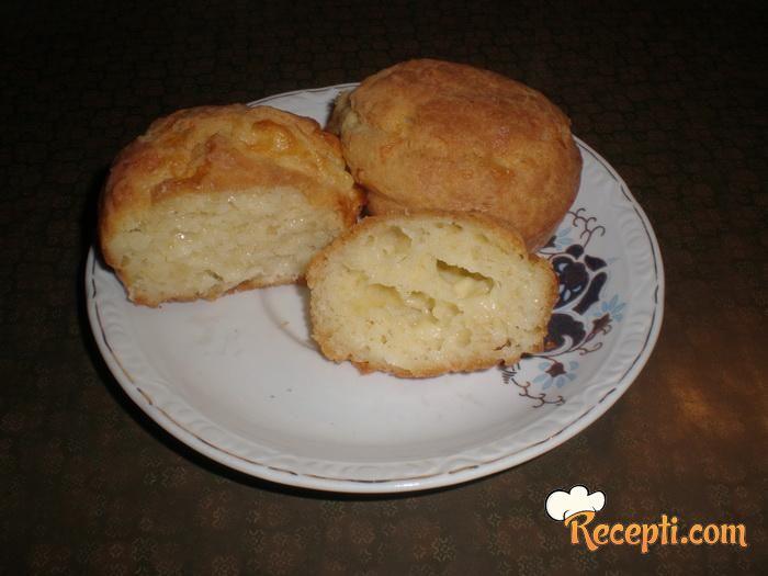 Slani muffins sa sirom i pavlakom