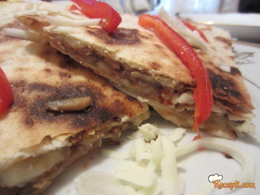 Tortilje sa pečurkama i slaninom - Quesadillas