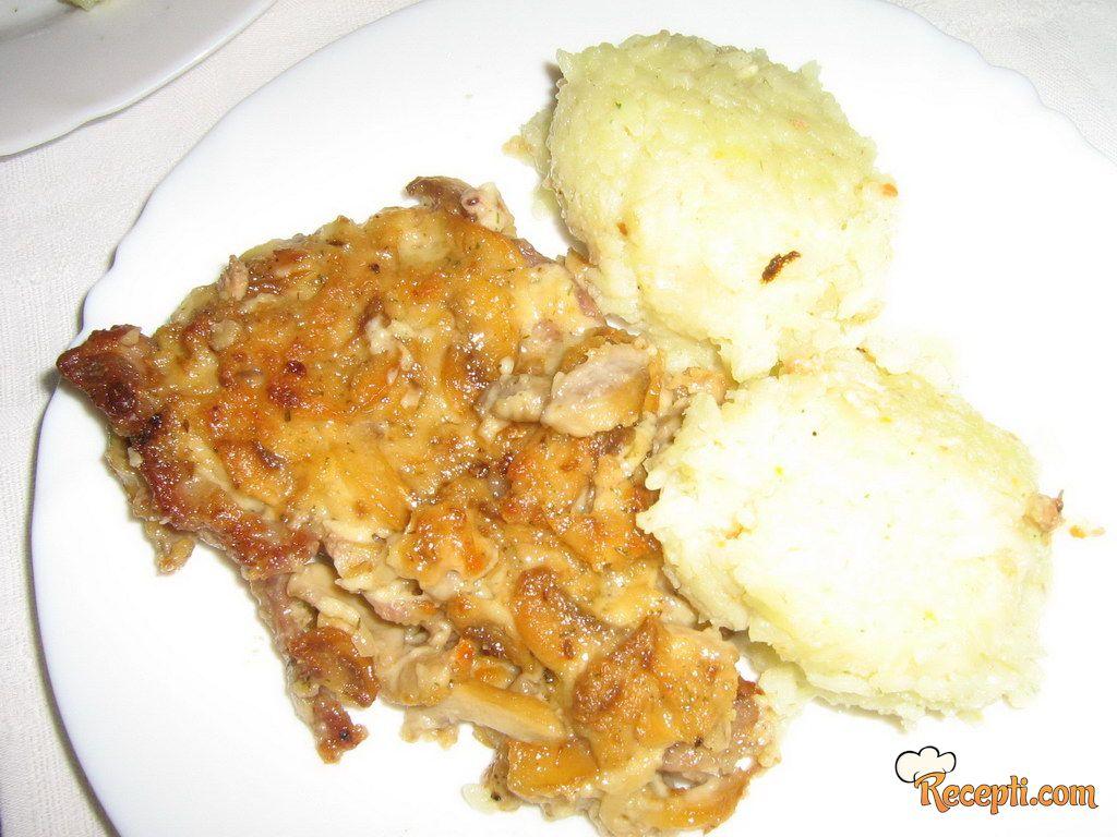 Svinjski vrat u sosu od pečuraka (2)