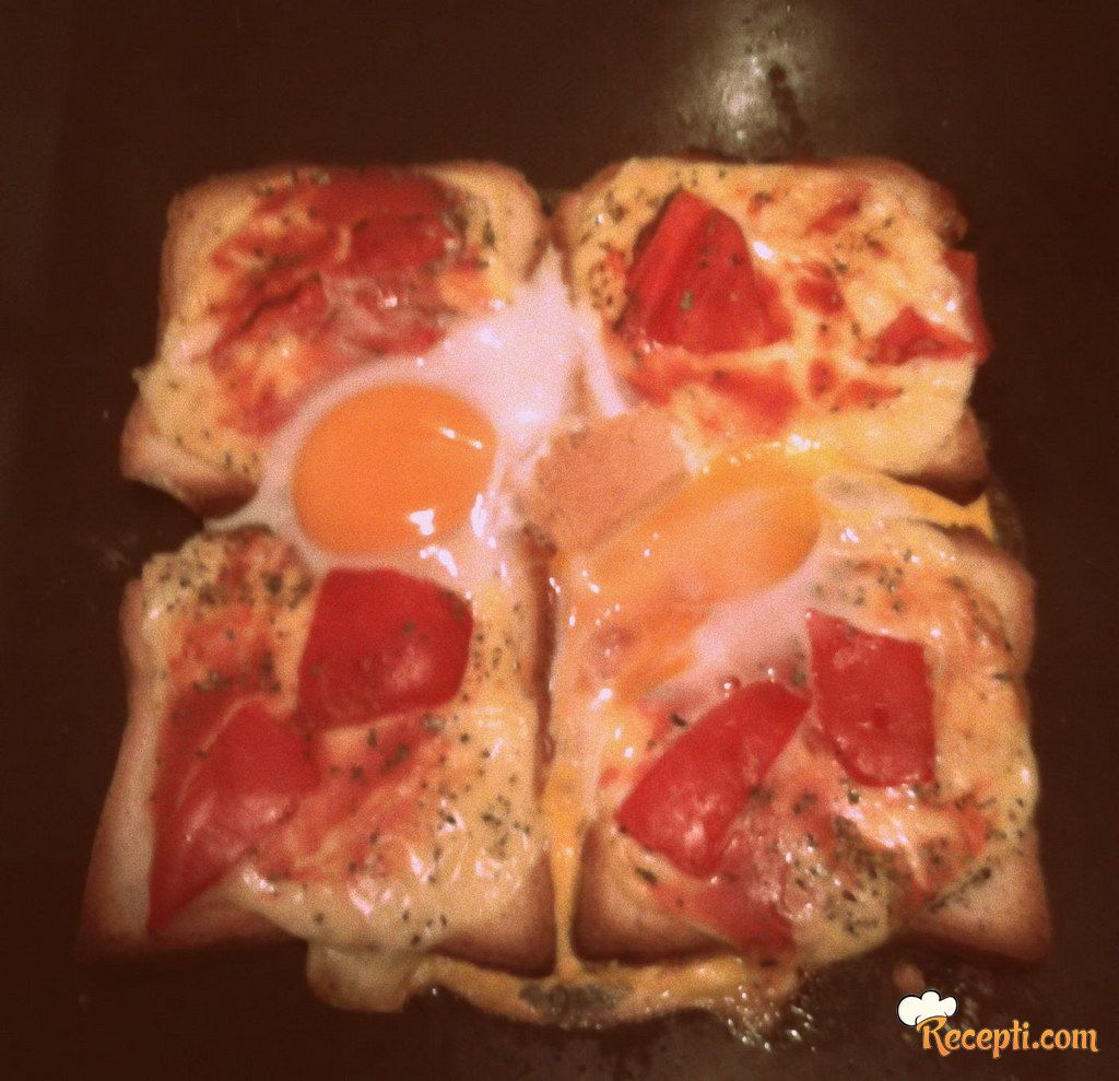 Tost sa jajetom i paradajzom