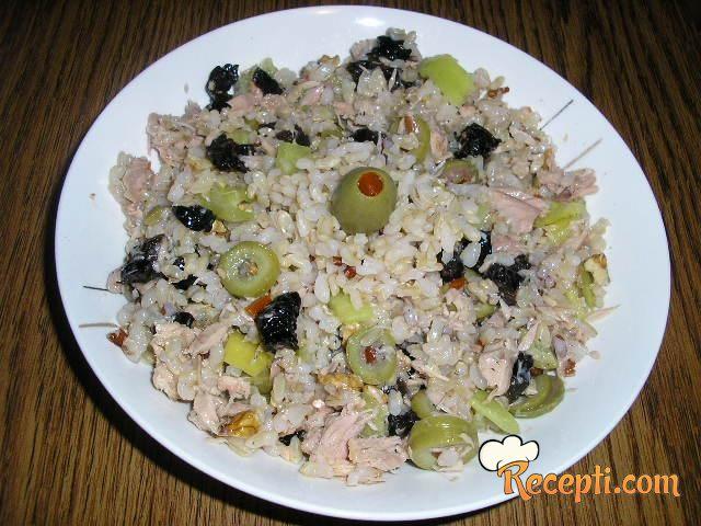 Posna salata od integranog pirinča