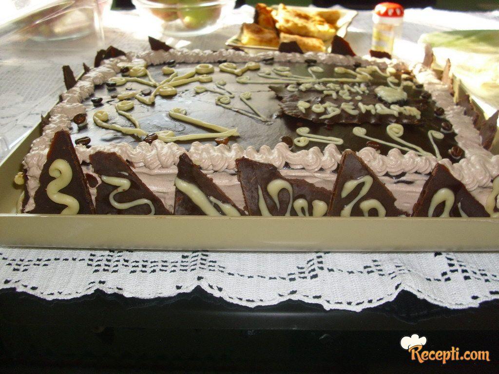 Punoletna čokoladna torta
